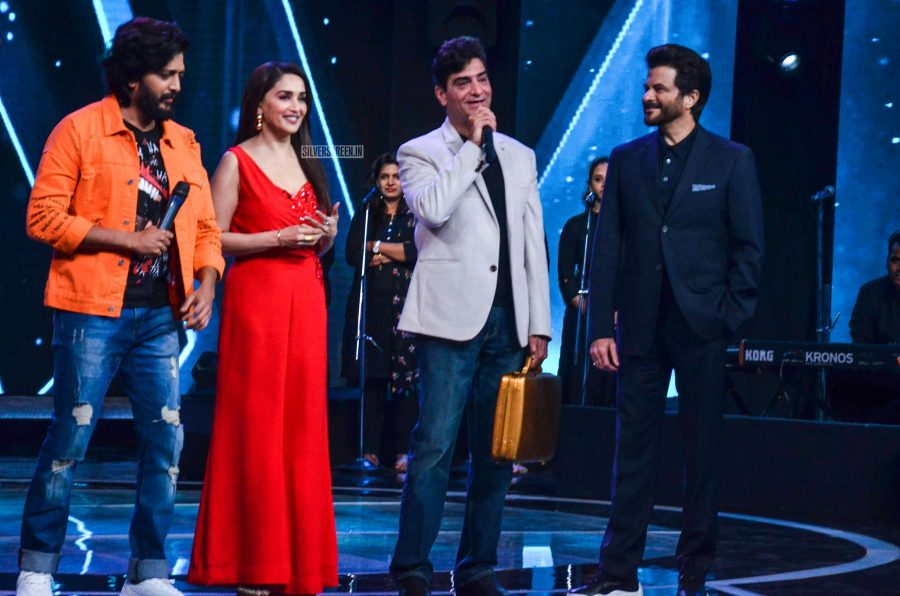 Madhuri Dixit, Anil Kapoor Promote 'Total Dhamaal' On The Sets Of Sa Re Ga Ma Pa L'il Champs