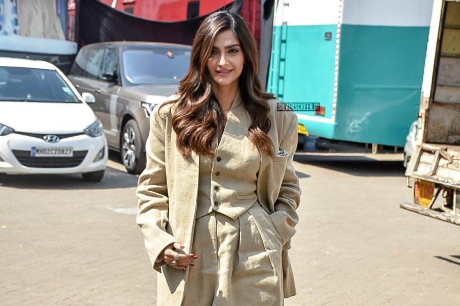 Sonam Kapoor Promotes 'Eka Ladki Ko Dekha Toh Aisa Laga'