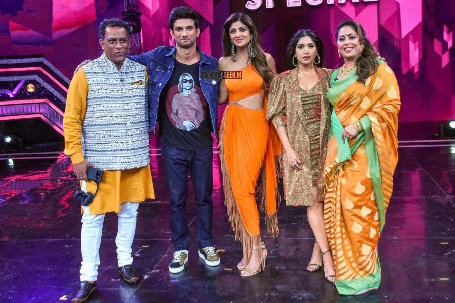 Sushant Singh Rajput, Bhumi Pednekar, Shilpa Shetty Promote 'Sonchiraiya' On The Sets Of Super Dancer Chapter 3