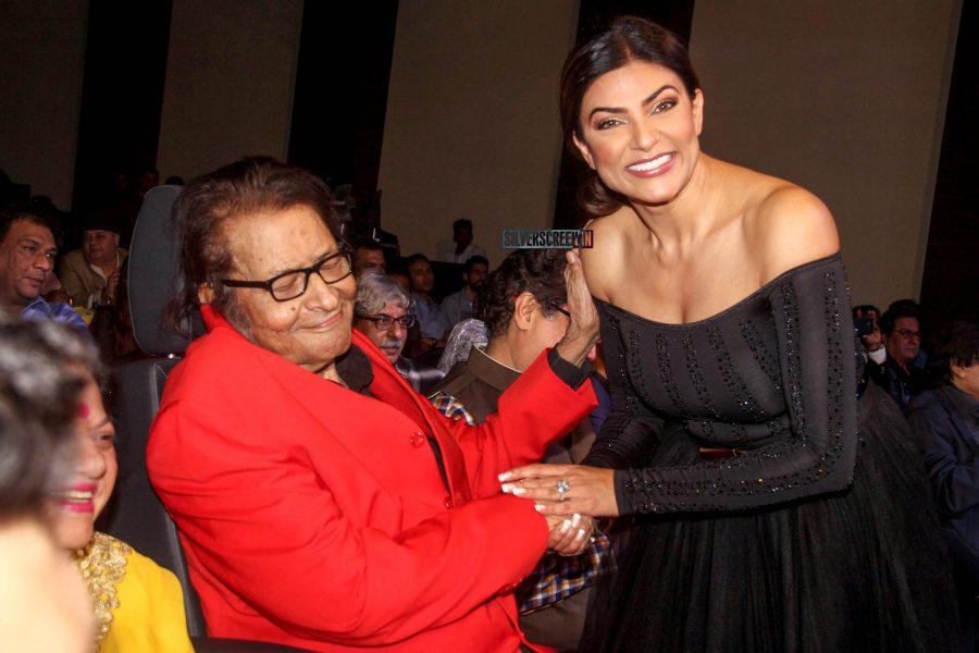 Sushmita Sen At The Power Brands-Bollywood Film Journalist's Awards'