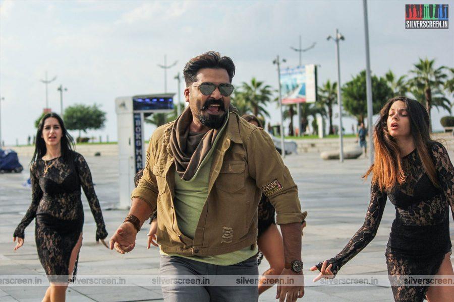 Vantha Rajavathaan Varuven Movie Stills Starring  Silambarasan
