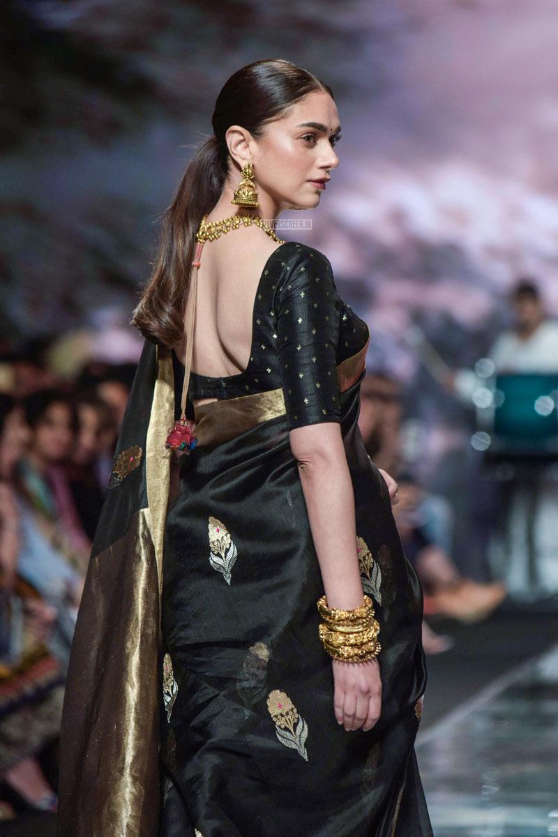 Aditi Rao Hydari  Radhika Apte Walk The Ramp At The  U2018delhi Fashion Week 2019  U2013 Day 4