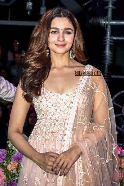 Alia Bhatt Promotes 'Kalank' On The Sets Of Super Dancer Chapter 3