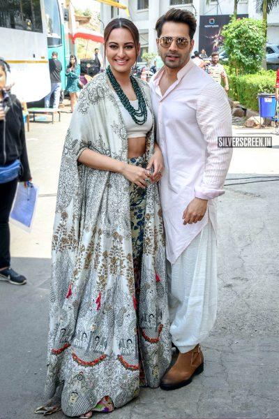 Sonakshi Sinha, Varun Dhawan Promote 'Kalank' On The Sets Of Super Dancer Chapter 3