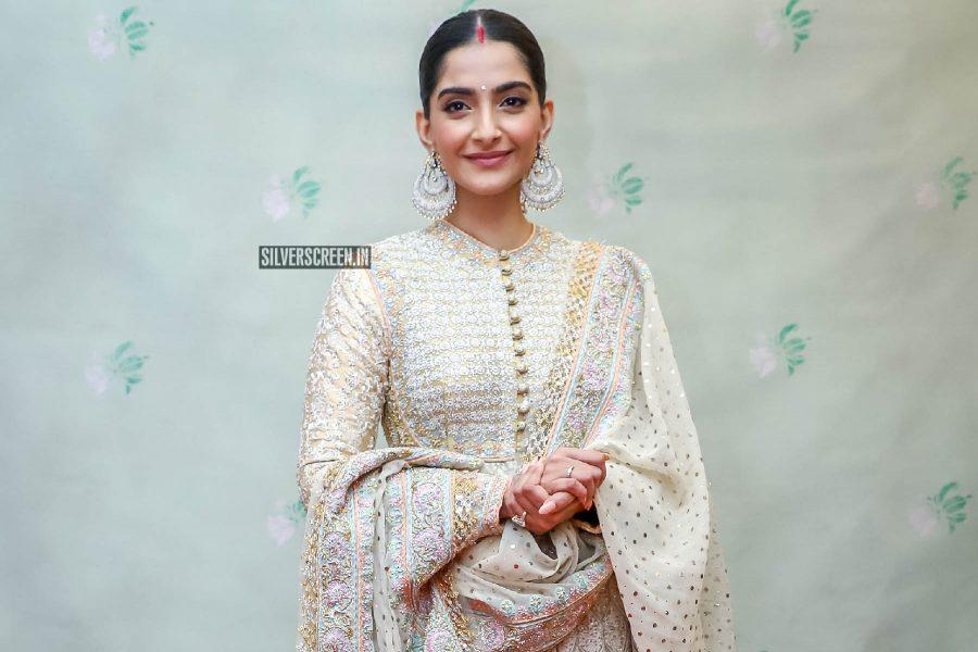 Sonam Kapoor At Abu Jani And Sandeep Khosla's Fashion Show