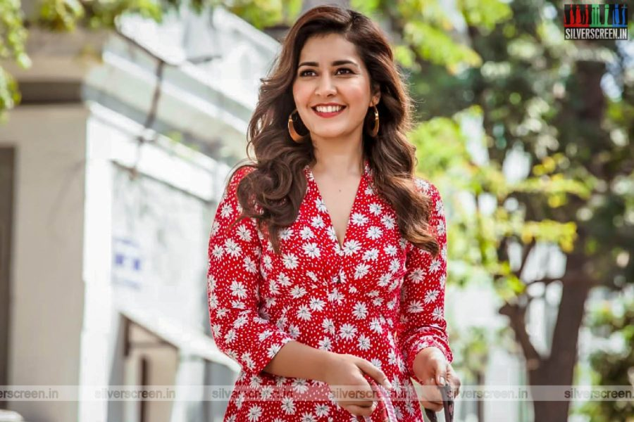 Ayogya Movie Stills Starring Raashi Khanna