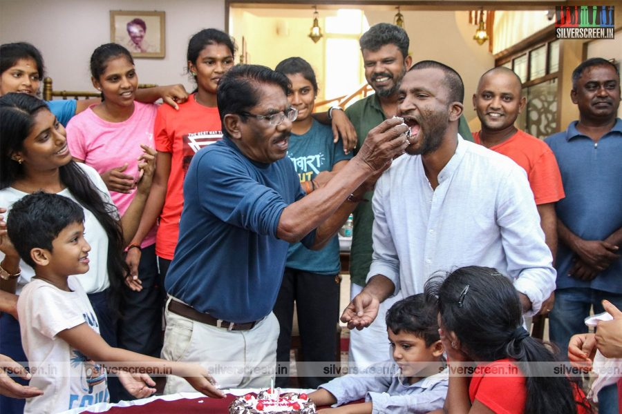 Bharathiraja, Suseenthiran Organises A Feast For All Kabbadi Sportswomen In 'Kennedy Club'