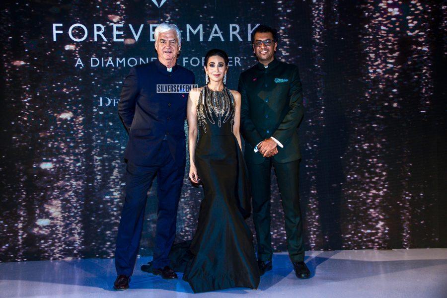 Karisma Kapoor Walks The Ramp for Forevermark