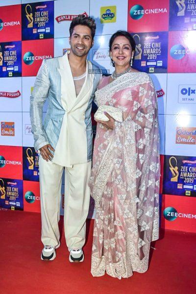 Hema Malini, Varun Dhawan At The 'Zee Cine Awards 2019'
