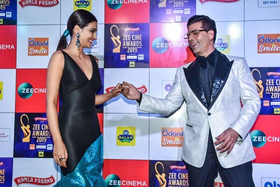 Kriti Sanon, Karan Johar At The 'Zee Cine Awards 2019'