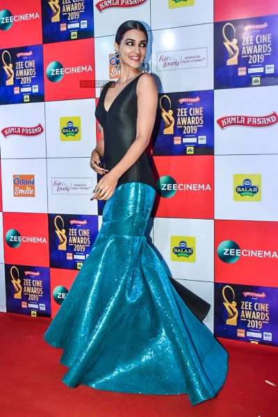 Kriti Sanon At The 'Zee Cine Awards 2019'