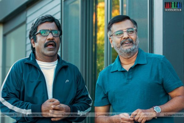 Vellai Pookal Movie Stills Starring Vivek, Charlie