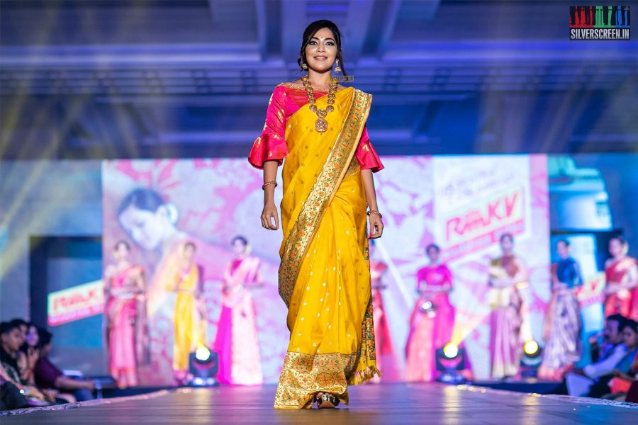 VJ Ramya Walks The Ramp At 'Femina Wedding Show'