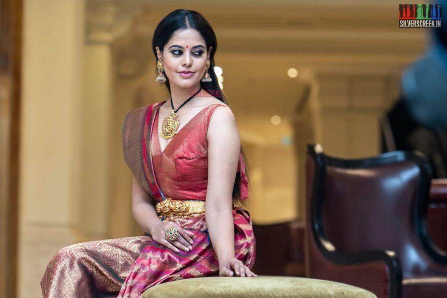 Bindu Madhavi Walks The Ramp At 'Femina Wedding Show'