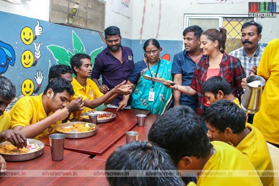 Vralaxmi Sarathkumar And Other Save Sakthi Volunteers Pledge To Donate Organs