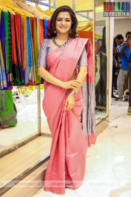 Dhivyadharshini At A Store Launch