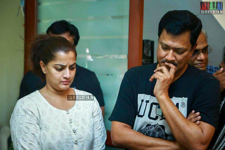 Varalaxmi Sarathkumar Pays Respect To Director J Mahendran
