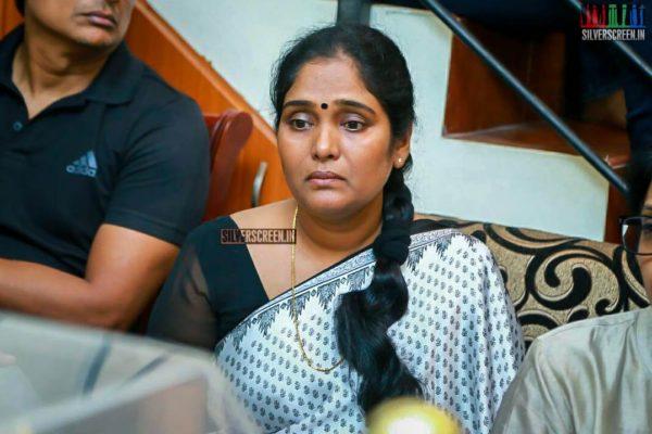 Archana Pays Respect To Director J Mahendran