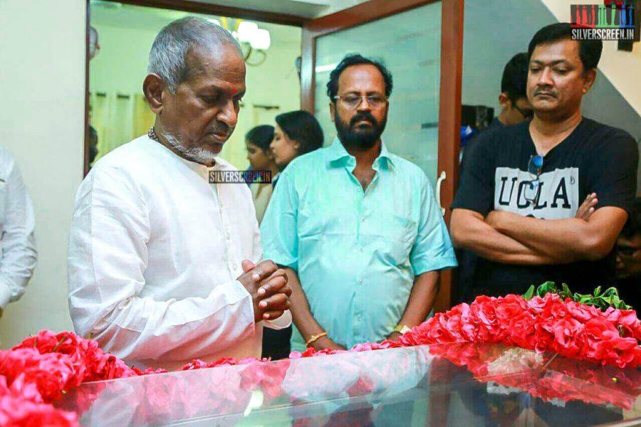 Ilaiyaraaja Pays Respect To Director J Mahendran