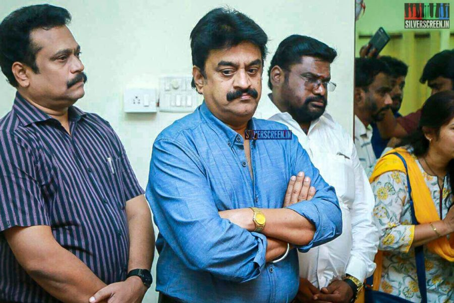 Chinni Jayanth Pays Respect To Director J Mahendran