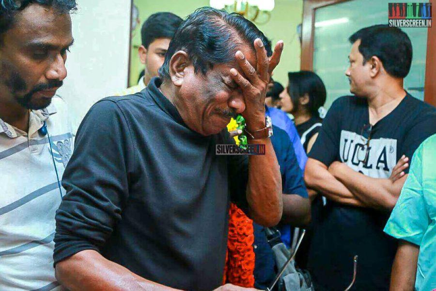 P Bharathiraja Pays Respect To Director J Mahendran