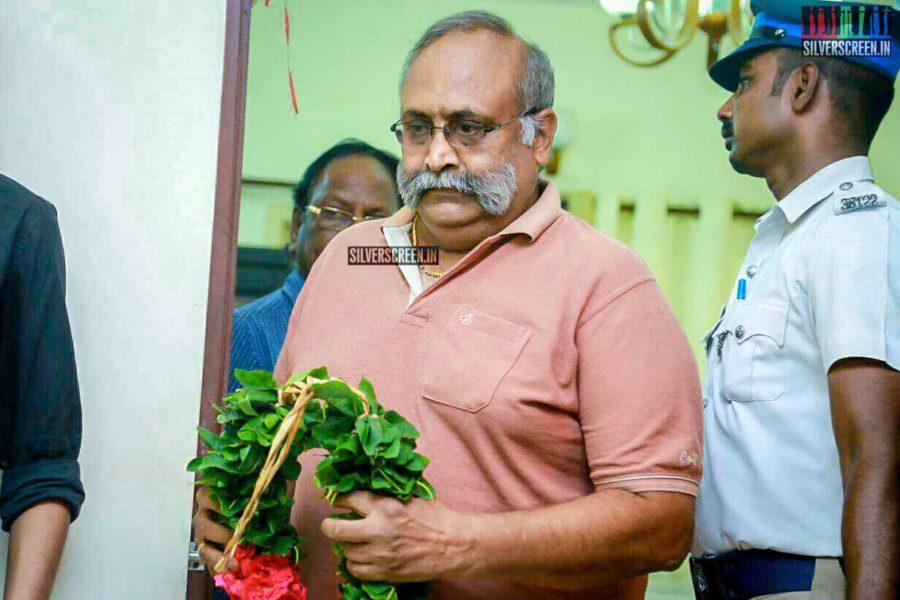 Balaji Sakthivel Pays Respect To Director J Mahendran
