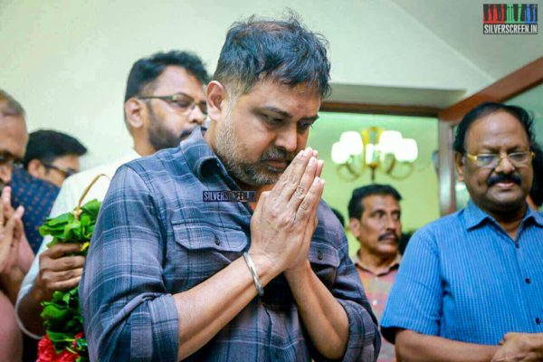 N Lingusamy Pays Respect To Director J Mahendran