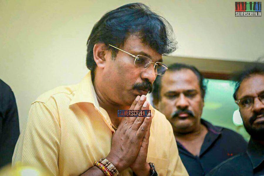 Perarasu Pays Respect To Director J Mahendran