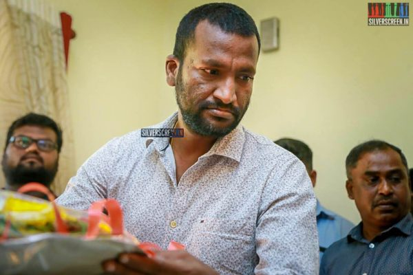 Suseenthiran Pays Respect To Director J Mahendran
