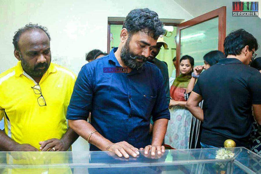 Lenin Bharathi Pays Homage To Director J Mahendran