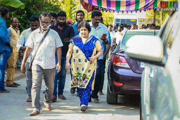 Latha Rajinikanth Pays Homage To Director J Mahendran