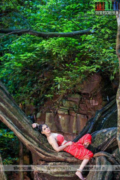 Neeya 2 Movie Stills Starring Varalaxmi