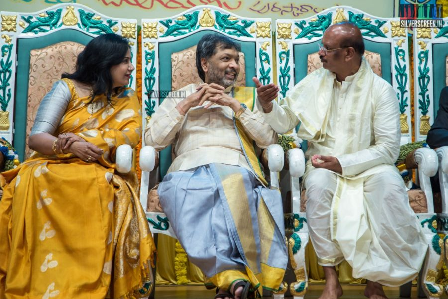 Celebrities At The 'Mahila Ratna Awards'