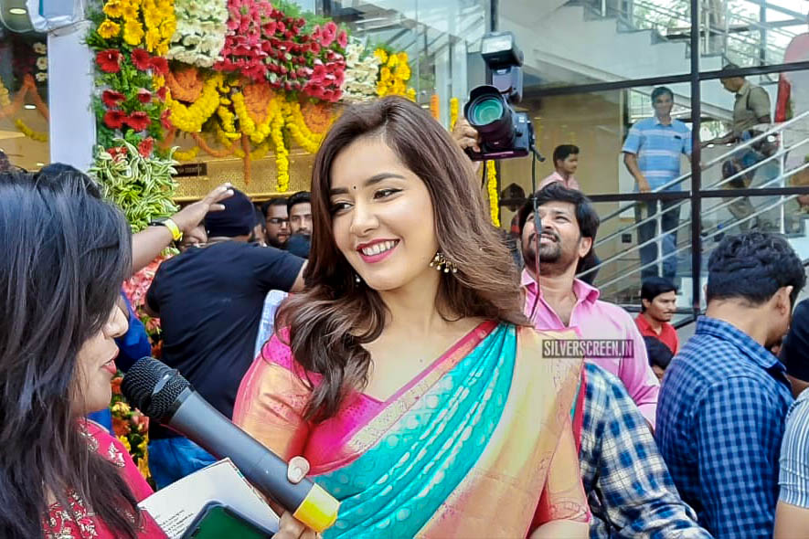 Raashi Khanna At The Inauguration Of A Shopping Mall