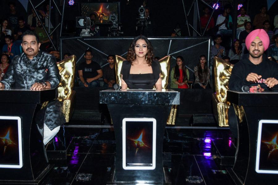 Diljit Dosanjh Promotes 'De De Pyaar De' On The Sets Of 'The Voice'