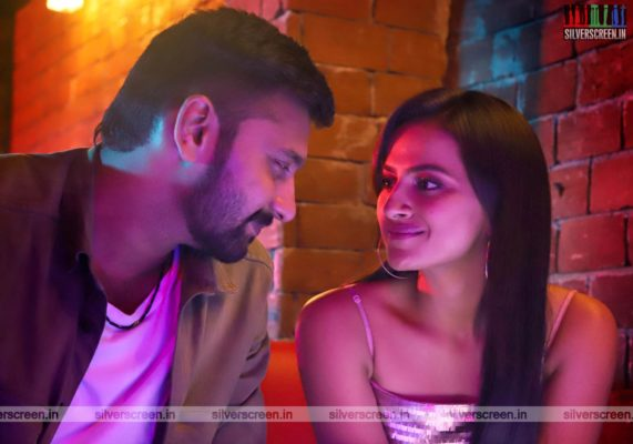 K 13 Movie Stills Starring Arulnithi, Shraddha Srinath,