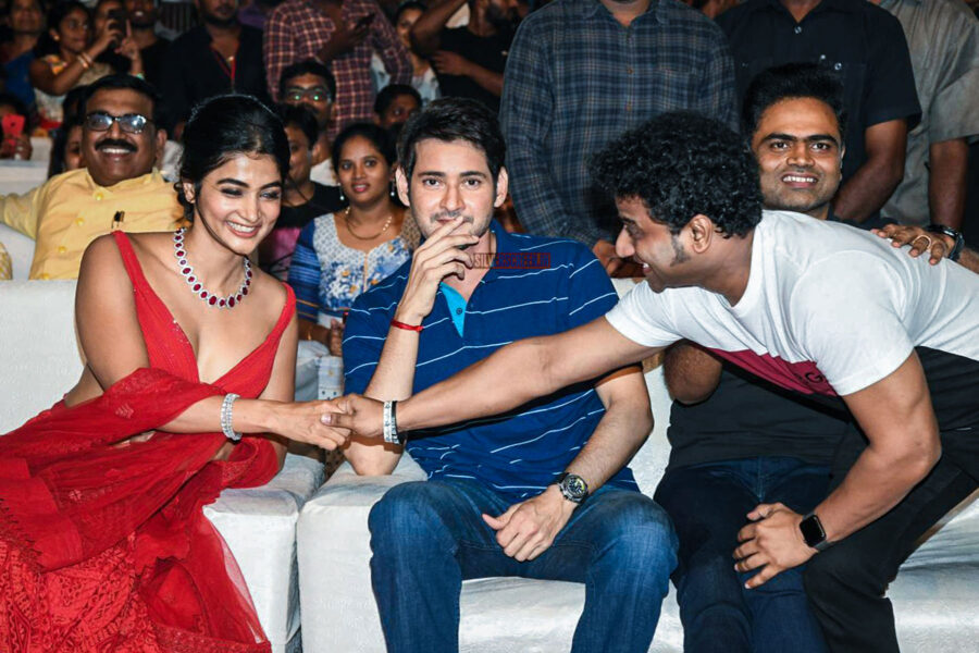 Mahesh Babu, Pooja Hegde, Devi Sri Prasad At The 'Maharshi' Success Meet
