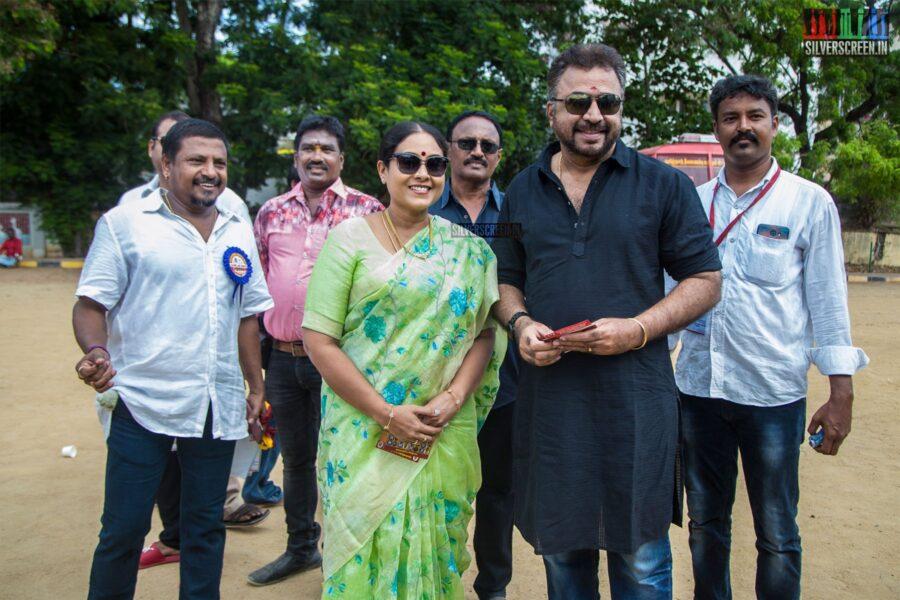 Ponvannan, Saranya Ponvannan Vote In Nadigar Sangam Elections