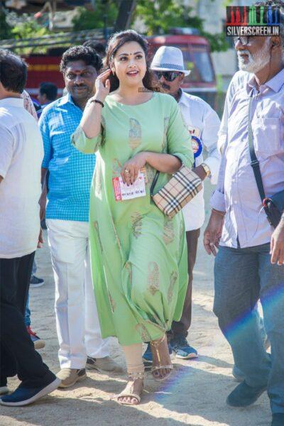 Meena Votes In Nadigar Sangam Elections
