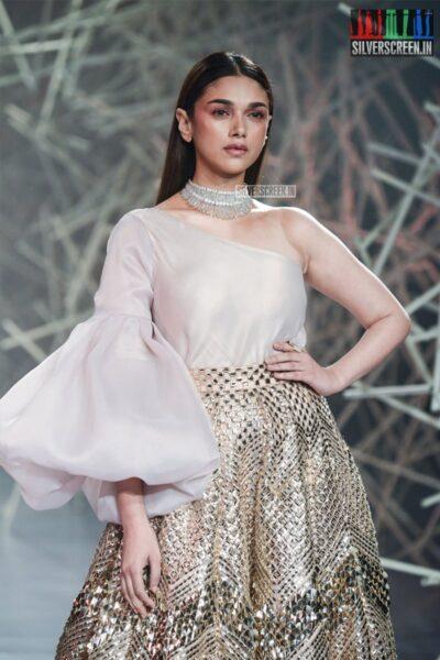 Aditi Rao Hydari Walks The Ramp For Pankaj And Nidhi At India Couture Week 2019