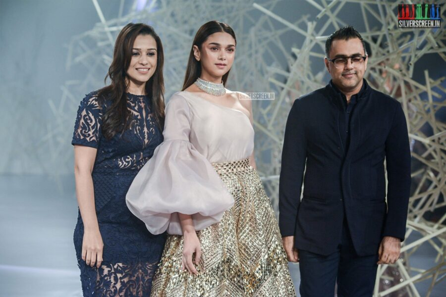 Aditi Rao Hydari Walks The Ramp For Pankaj And Nidhi At India Couture Week 2019