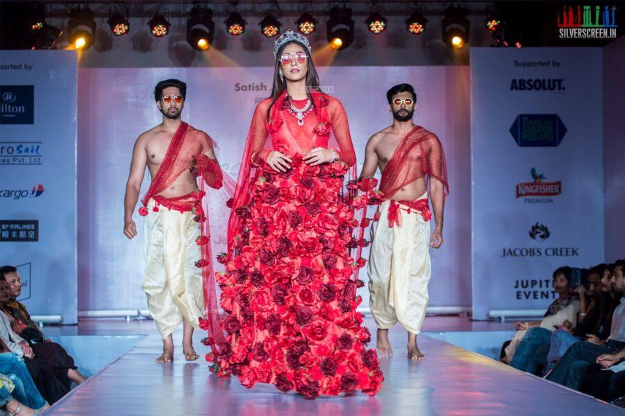 Anukreethy Vas At The Madras Couture Fashion Week Season 6-Day 1