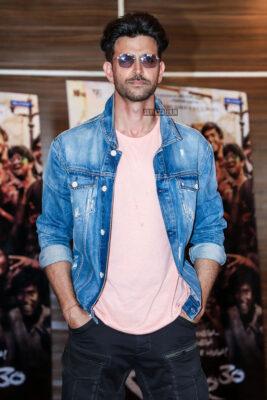 Hrithik Roshan Promotes 'Super 30'