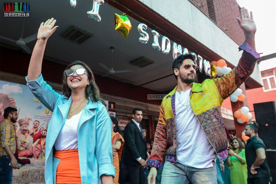 Parineeti Chopra & Sidharth Malhotra Promote 'Jabariya Jodi'