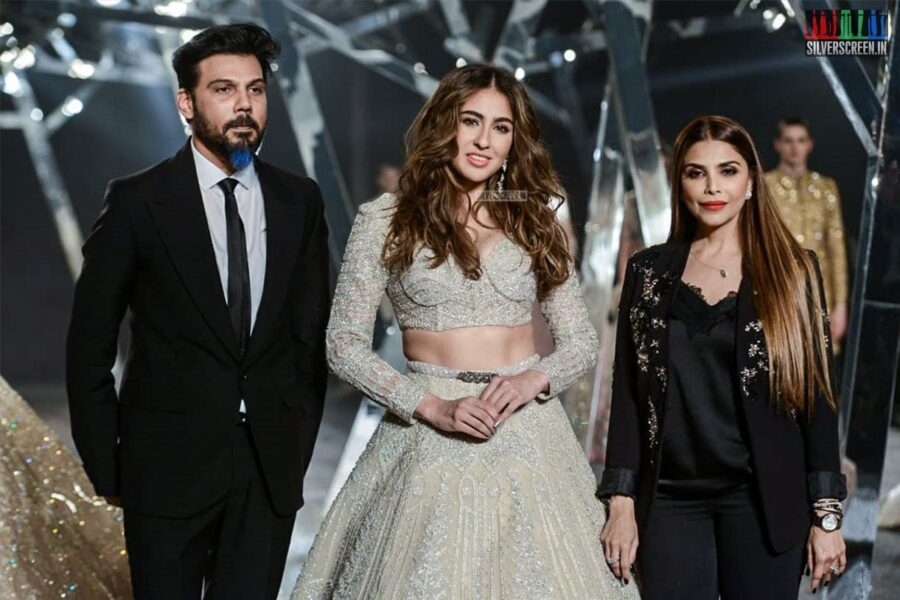 Sara Ali Khan Walks The Ramp For Falguni Shane Peacock At India Couture Week