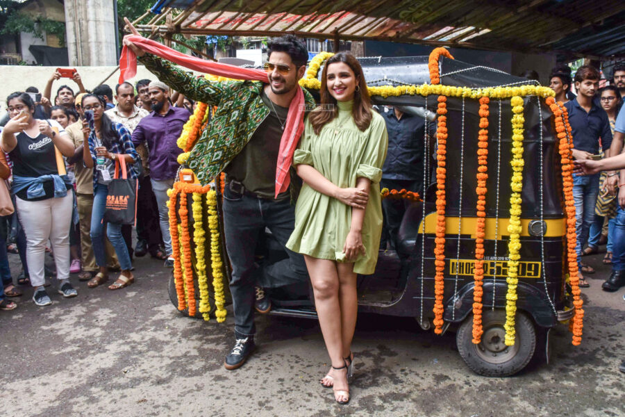 Sidharth Malhotra & Parineeti Chopra At 'Zilla Hilela' Song Launch From 'Jabariya Jodi'