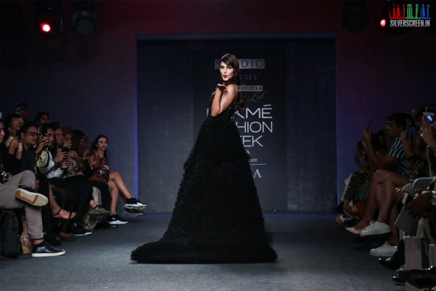 Rhea Chakraborty Walks The Ramp For Ambika Lal At The Lakme Fashion Week 2019 - Day 4