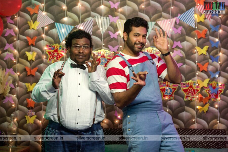 Comali Movie Stills Starring Jayam Ravi, Yogi Babu