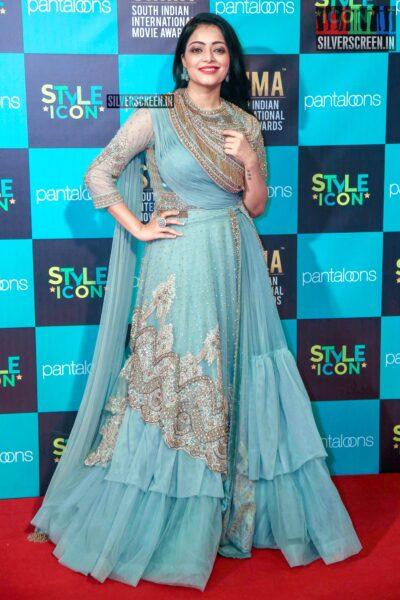 Janani Iyer At The 'SIIMA Awards - Day 2'