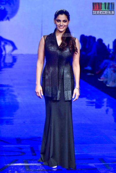 Mrunal Thakur Walks The Ramp For Amit Aggarwal At The Lakme Fashion Week 2019 - Day 1
